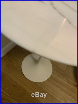 1970s Knoll Mid Century Modern Marble Tulip Side End Table