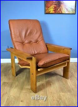 Mid Century Retro Danish Tan Leather Oak Lounge Arm Chair by Komfort 1970s