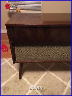 Vintage Mid Century Modern Morse Solid State Record Player Wood Cabinet Speaker